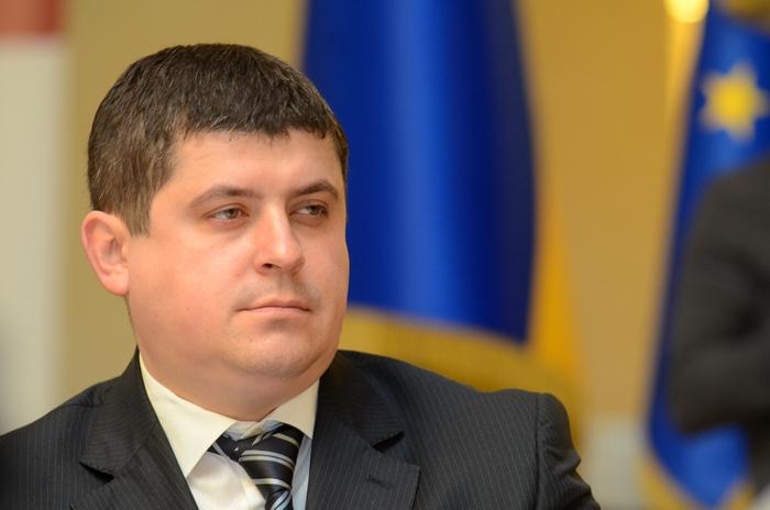«Народный фронт» не поддерживает повышение зарплат депутатам